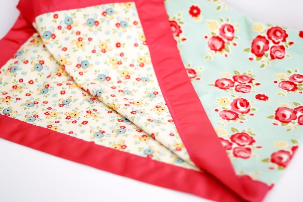 How-to-sew-a-flannel-baby-blanket-with-satin-blanket-binding-coral-and-co