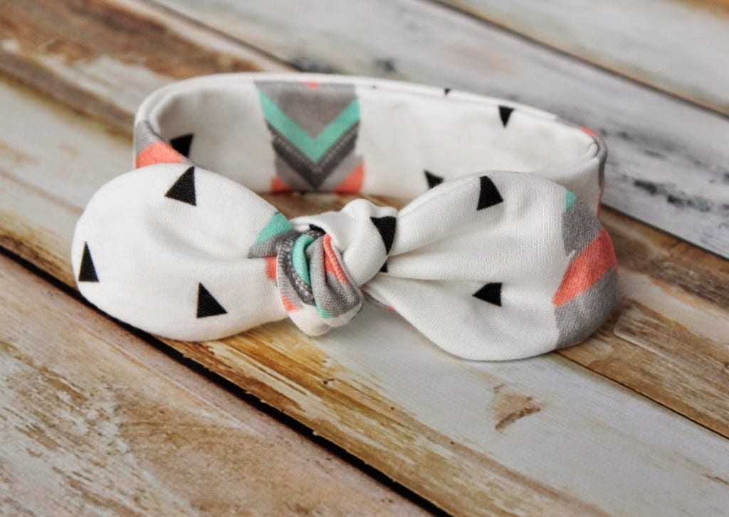 Knot-Bow-Headband-Pattern-and-Tutorial