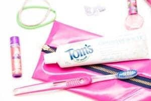 how-to-make-diy-toothbrush-travel-bag
