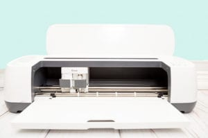 cricut-maker-vs-explore-air-2-which-one-should-you-buy