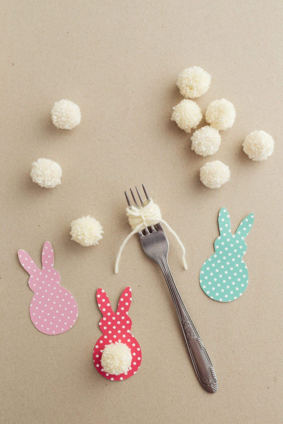 easter-paper-craft-idea-make-yarn-pom-pom-bunny