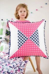 hour-glass-quilt-block-pillow-pattern