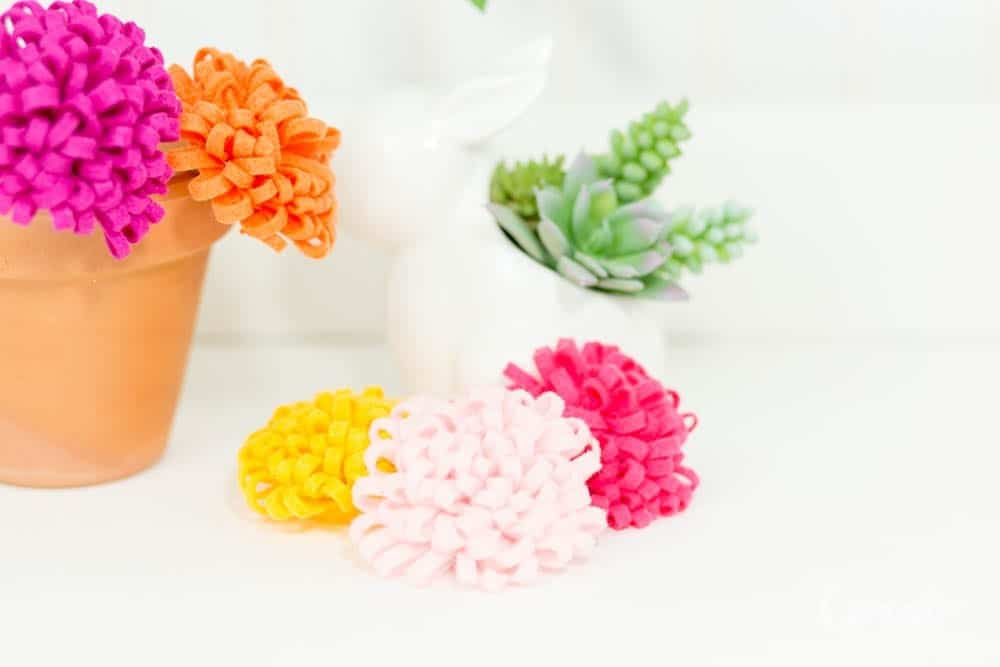 how-to-make-mum-felt-flowers-tutorial