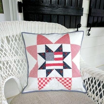 patriotic-pillow-pattern-tutorial-sewing-a-seam
