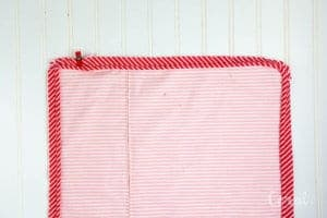 how-to-sew-piping-to-a-pillow-back
