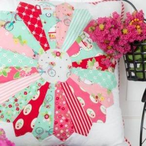 how-to-attach-a-dresden-plate-pillow-tutorial