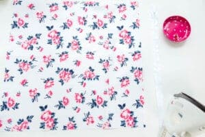 cut-fabric-for-pillow-square