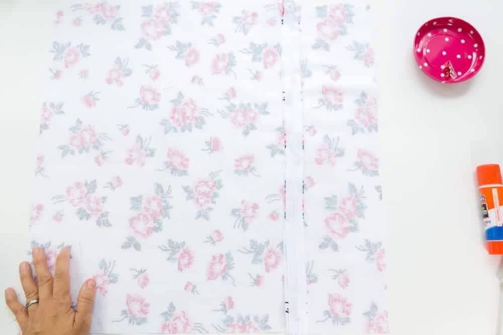 how-to-sew-a-zippre-into-a-pillow