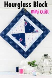 hourglass-mini-quilt-pattern