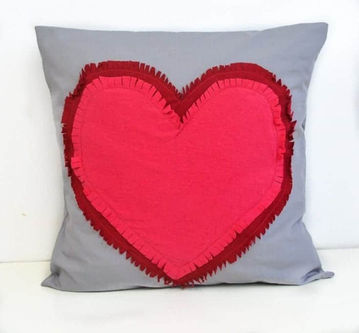 Super Quick and Easy Valentine Heart Pillow, DIY