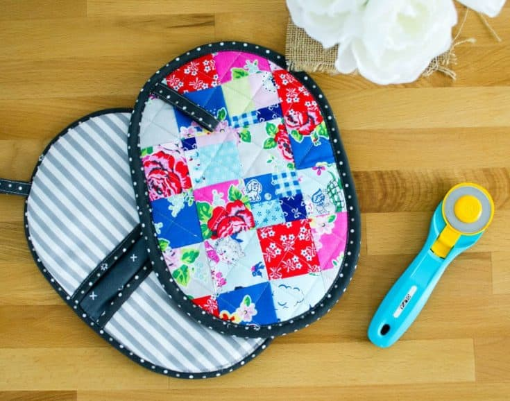 Patchwork Potholder with Pockets - a mini quilt for your kitchen! {free tutorial}